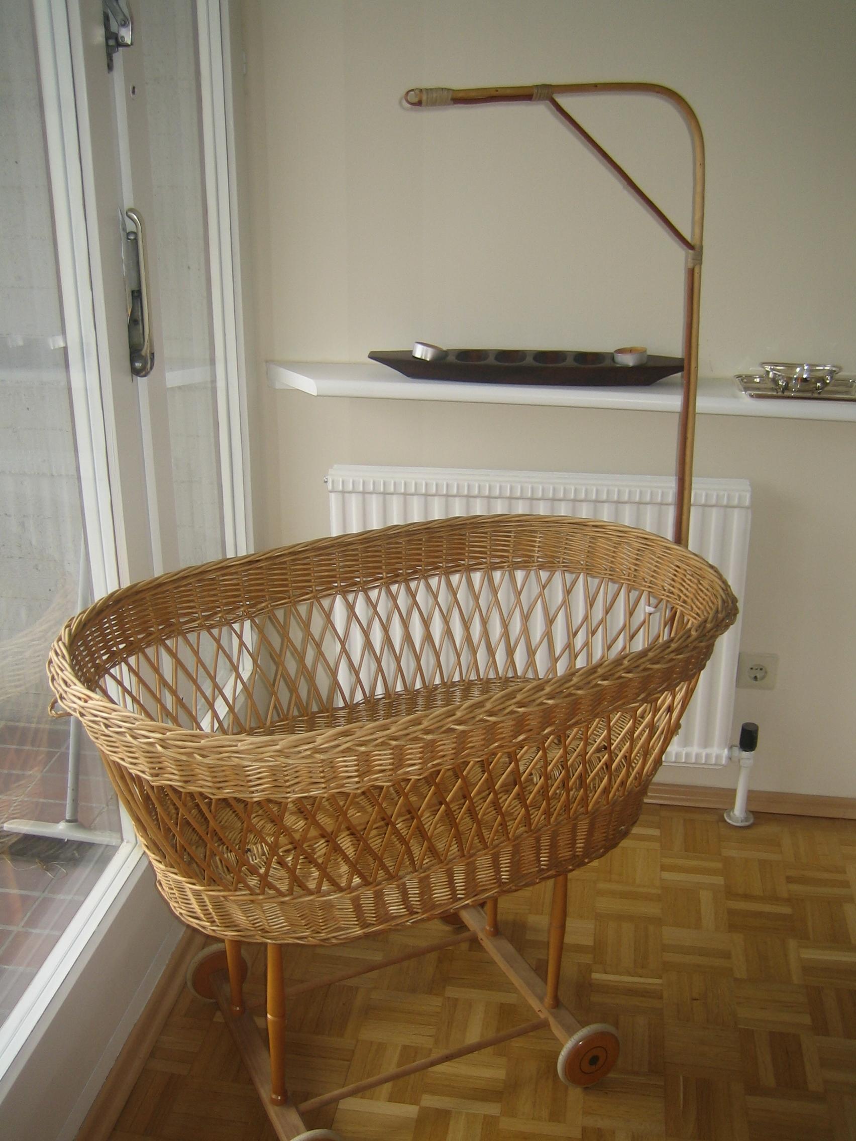 felilu ber uns. Black Bedroom Furniture Sets. Home Design Ideas